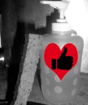 flacon pompe éponge coeur