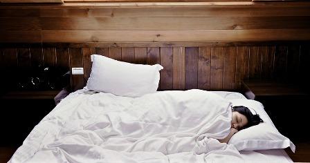 une-dormir seul