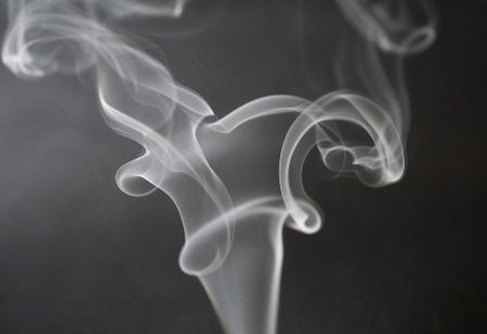 UNE-fumée cigarette