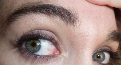 Maquillage yeux crayon noir Benecos.JPG