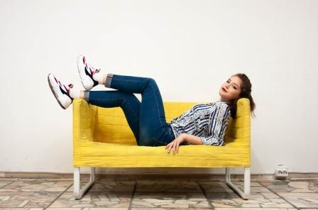 femme canapé exercices